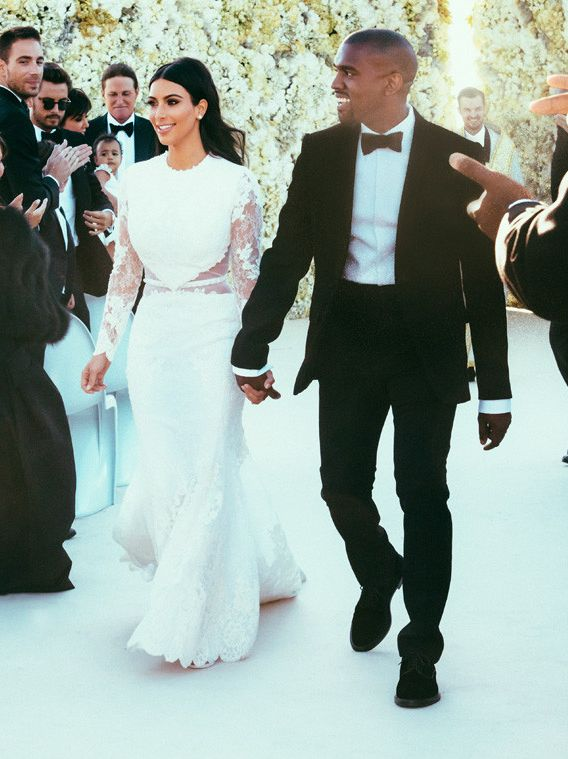 kim-kardashian-kanye-west-wedding-official-snapshots-inside-the-ceremony