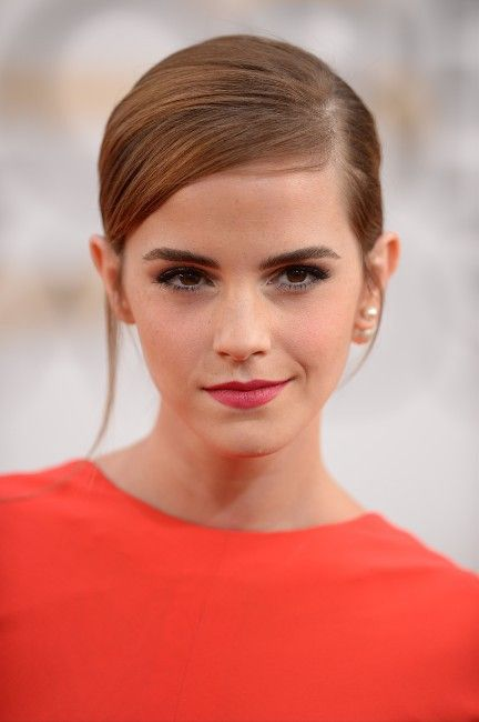 Beautiful Emma Watson at Golden Globes 2014