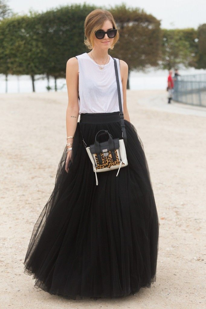 chiara-ferragni-pleated-skirt