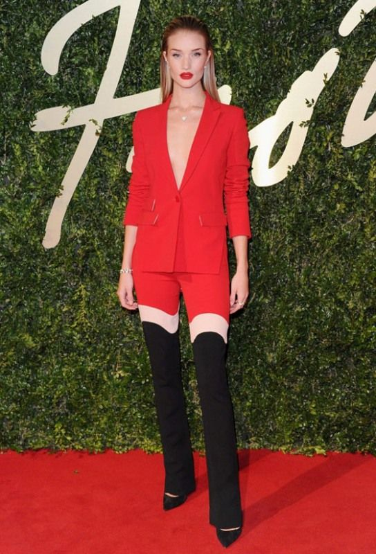 rosie-huntington-whiteley-pantsuit-without-a-shirt