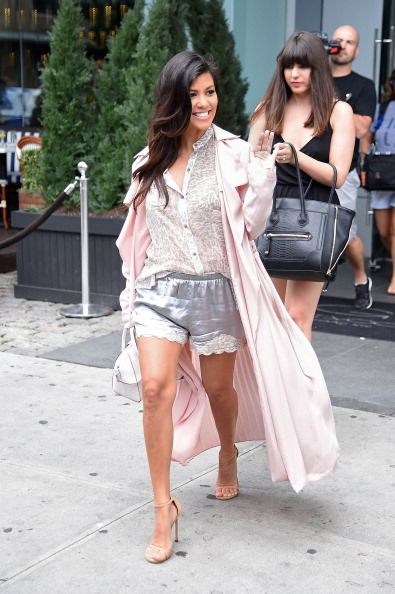 BTW: Was she trying to emulate Kourtney Kardashian with this one?