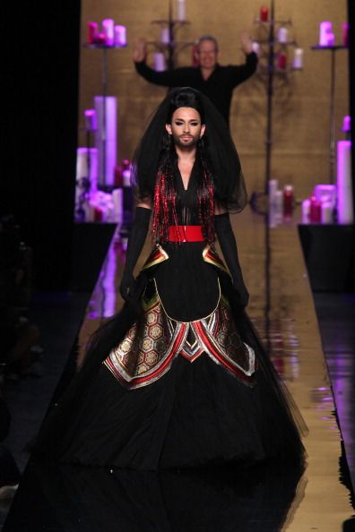 Jean Paul Gaultier : Runway - Paris Fashion Week : Haute Couture Fall/Winter 2014-2015