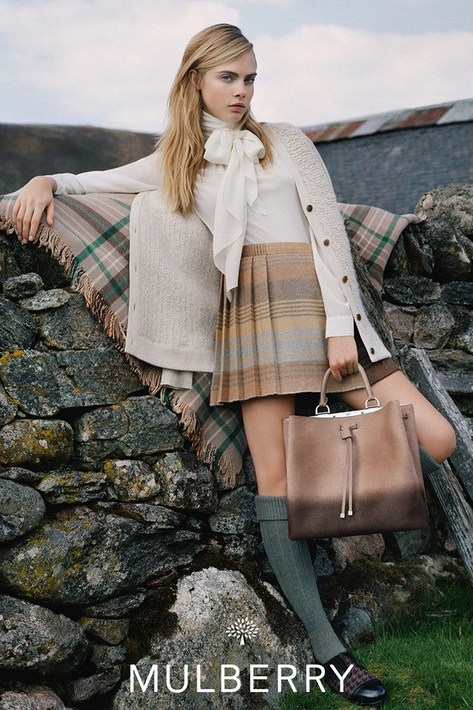 Mulberry-FW14-ad-campaign-with-cara-delevingne-5