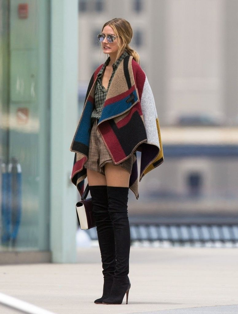 Olivia-Palermo-Photo-Shoot-burberry-prorsum-fall-winter-2014-15-blanket