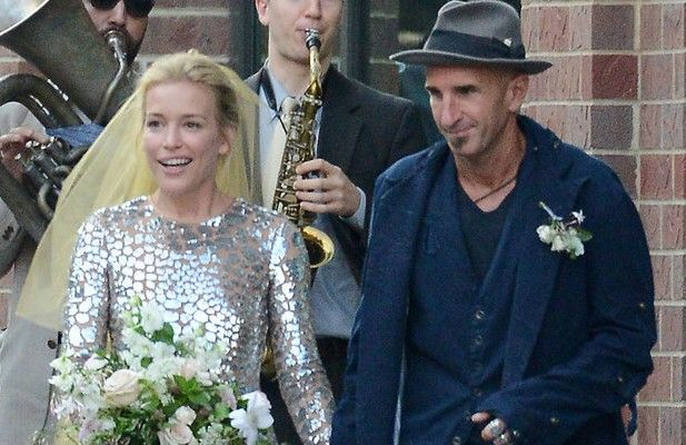 Piper perabo gets married in a wedding dress previously worn by piper perabo gets married in a wedding dress previously worn by jlo laiamagazine junglespirit Choice Image