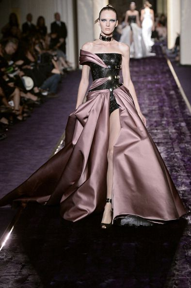 Atelier Versace - Couture Fall 2014 Runway - Paris Haute Couture Fashion Week
