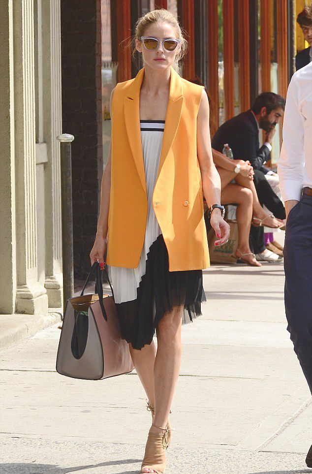 olivia-palermo-wearing-zara-skirt-as-a-dress