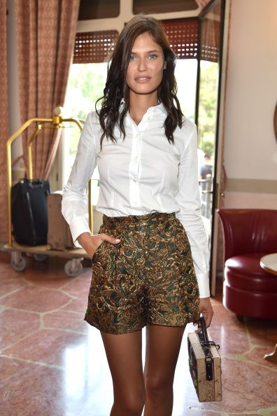 Earlier in the day she posen at her hotel wearing a Domenico and Dolce ensemble too