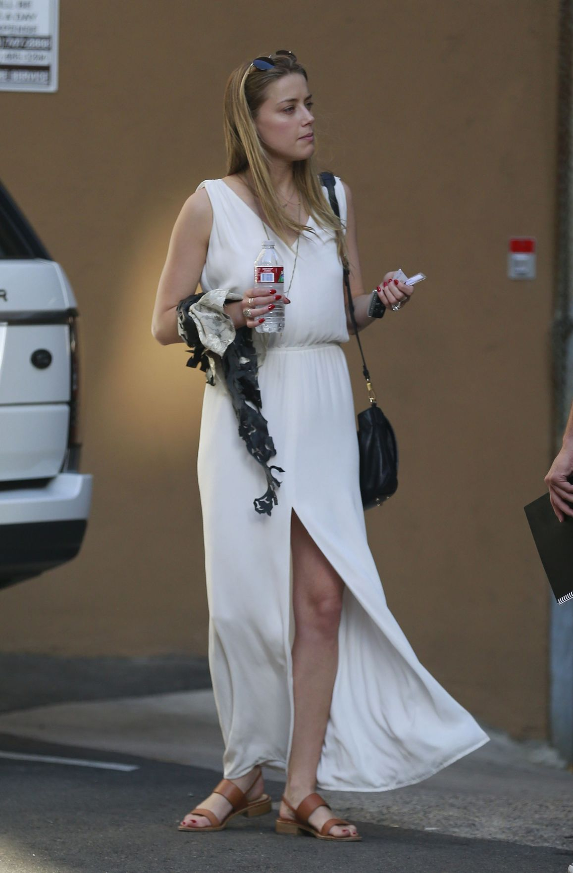 Celebrities Are Wearing Summer Maxi Dresses Laiamagazine