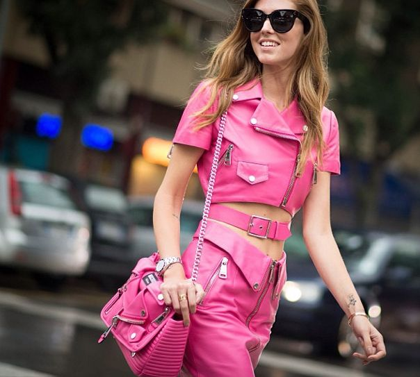 chiara-ferragni-moschino-spring-summer-2015-total-pink-barbie-look
