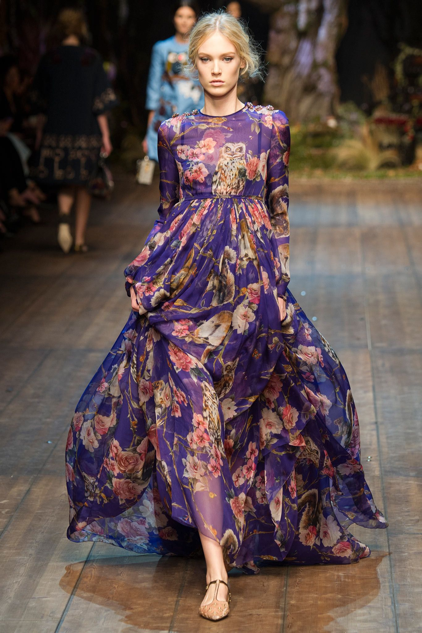 You Can Now Get Emma Stones Dolce Gabbana Fw14 Printed Silk Gown