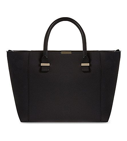 victoria-beckham-quincy-leather-tote-bag
