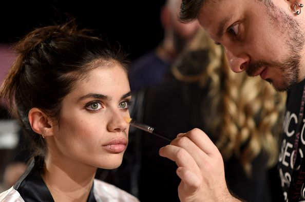 Victoria's Secret Fashion Show London 2014 Hair and Makeup backstage photos - LaiaMagazine