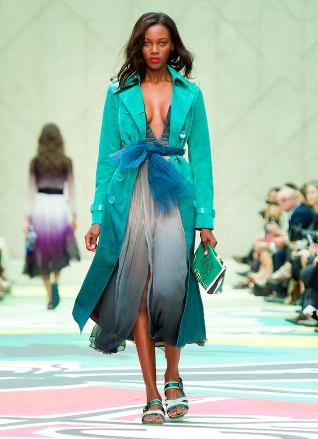 Burberry-Prorsum-Spring-Summer-2015-Collection-suede-trench-coat