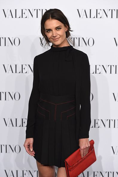 katie-holmes-valentino-new-york-haute-couture-collection-fashion-show-front-row