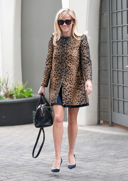 reese-withersppon-red-valentino-jacquard-leopard-print-coat-with-bow