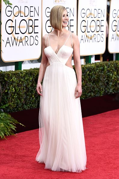 72nd-annual-golden-globe-awards-red-carpet-rosamund-pike