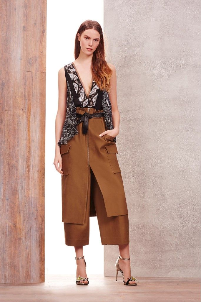 3- BCBG Max Azria Pre-Fall 2015 Skirts over culottes