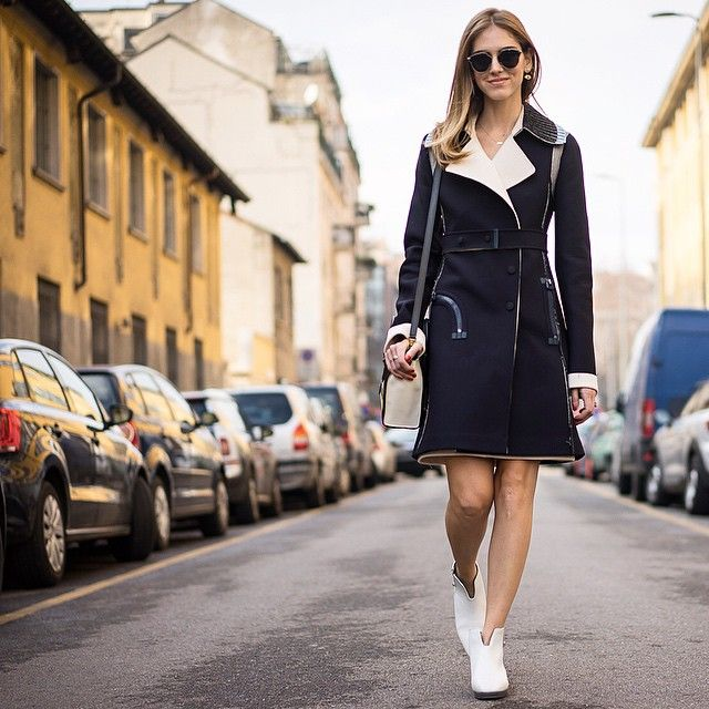 calvin-klein-collection-leather-collar-crepe-tailored-coat-chiara-ferragni