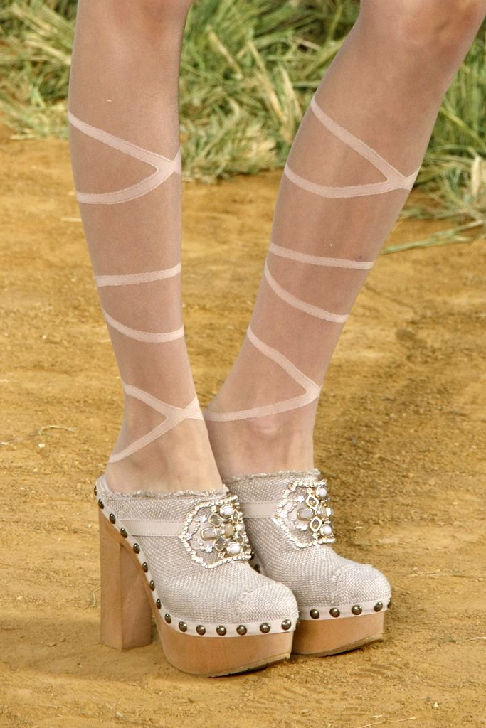 FYI: Yes, Leandra is wearing Chanel SS10 clogs