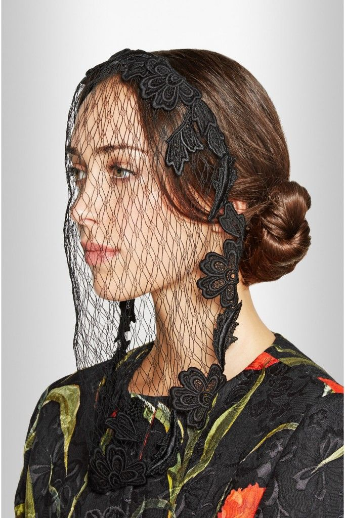 dolce-gabbana-satin-twill-and-lace-veil
