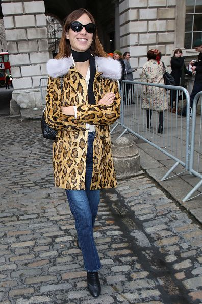 alexa-chung-london-fashion-week-fall-2015-street-style-shrimps-coat
