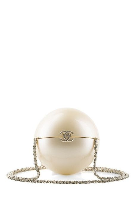 chanel-pearl-minaudiere