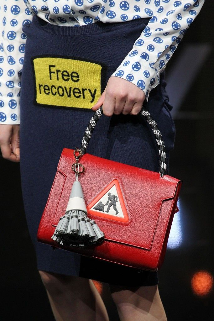 anya-hindmarch-fw15-fashion-show-man-at-work-handbag