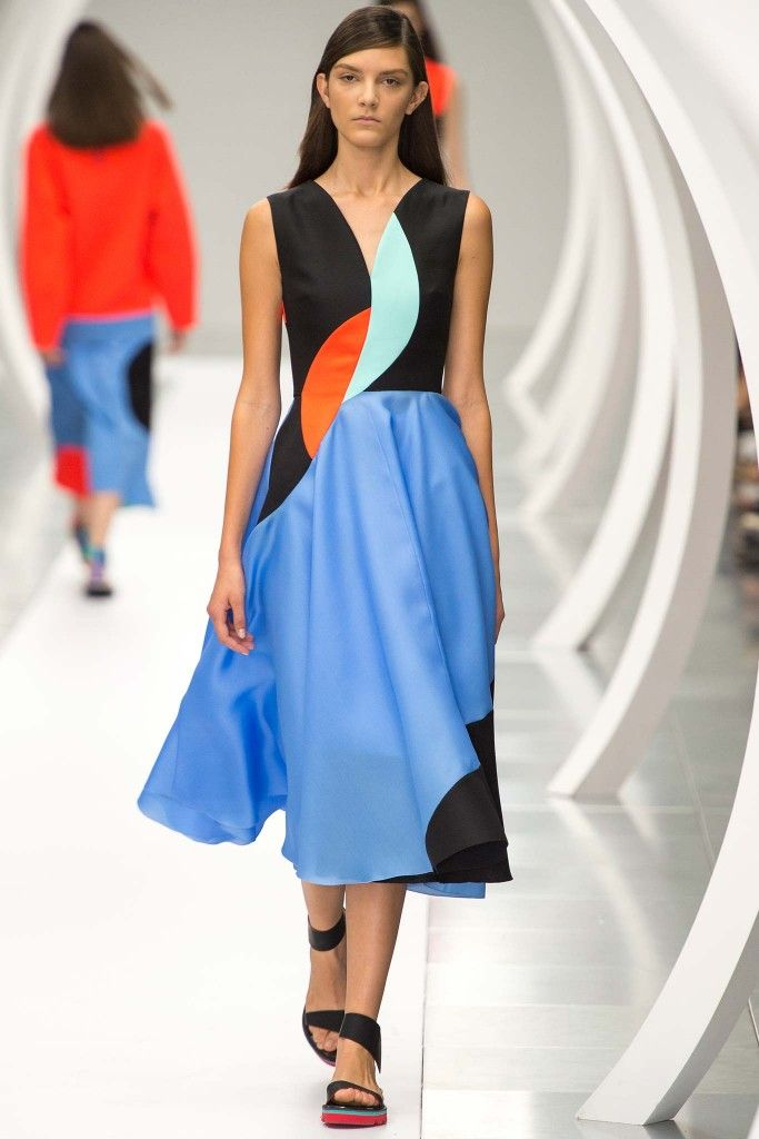 Buy Michelle's Roksanda SS15 V-Neck midi dress from MATCHESFASHION.com