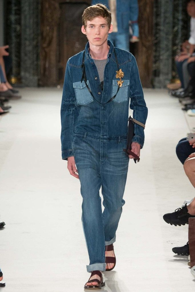 This denim jumpsuit you can get for woman, from Valentino Pre-Fall 2015 collection, at MYTHERESA.com