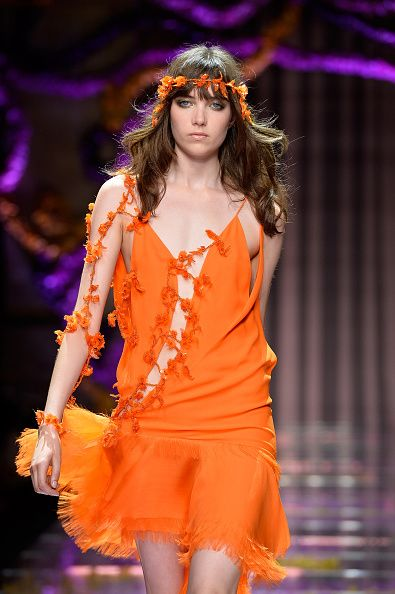 Atelier Versace : Runway - Paris Fashion Week - Haute Couture Fall/Winter 2015/2016