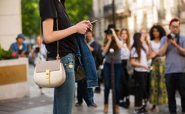9e2a968210 Proof that Chloé s Drew is still the most coveted bag out there -  LaiaMagazine