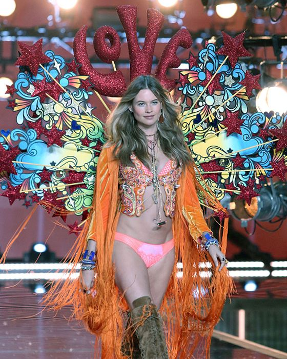 Behati Prinsloo opening for the second year in a row the Victoria's Secret Fashion Show