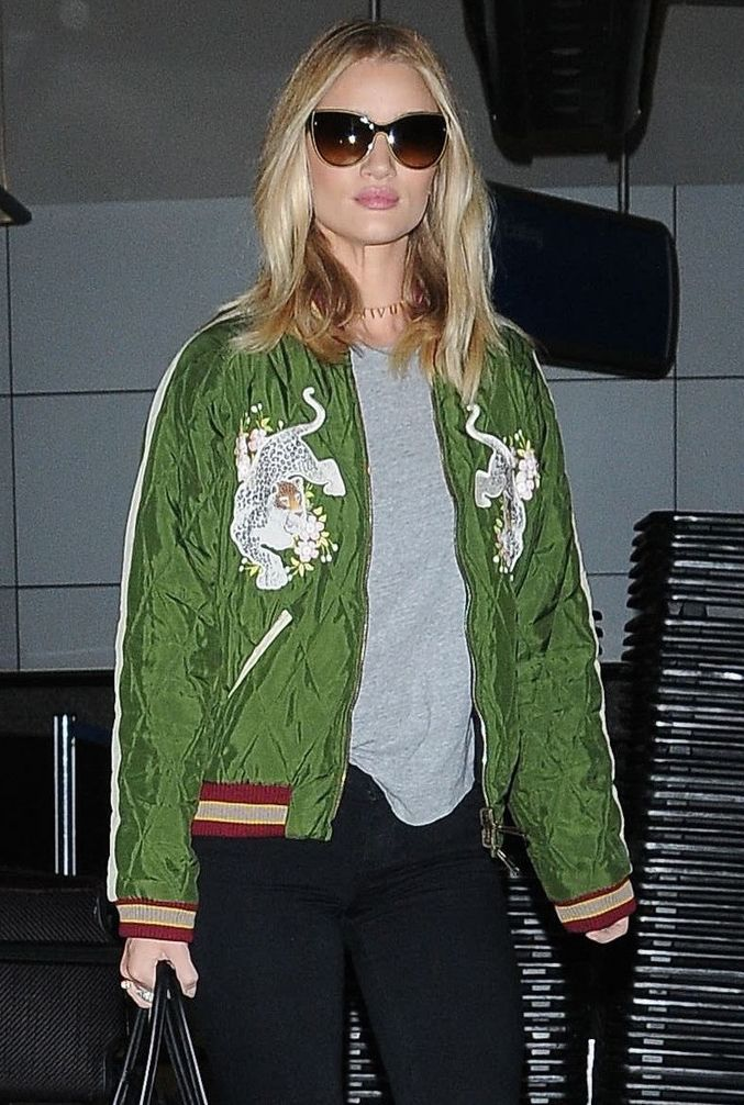 Rosie Huntington-Whiteley arriving at LAX Airport on Friday (November 6) in Los Angeles, wearing Chloé.