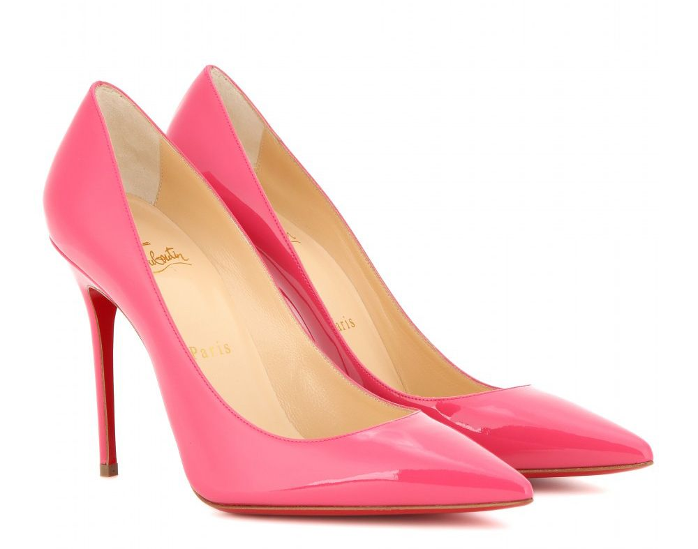 Zendaya's Louboutin Decolleté 554 100 pink patent leather pumps are avaiñable at MYTHERESA.com
