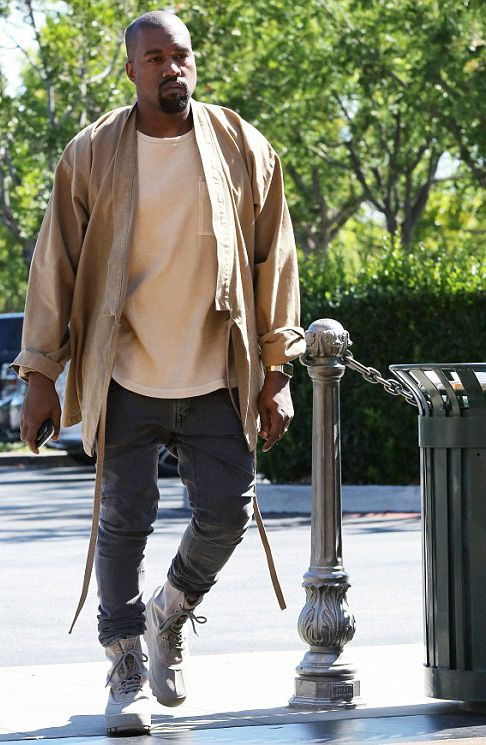 kanye West wearing the Yeezy 950