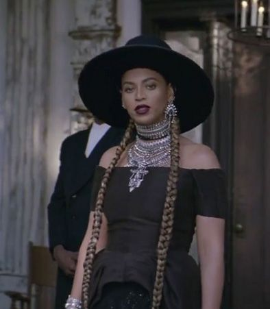 beyonce-total-black-gothic-victorian-look-formation-music-video
