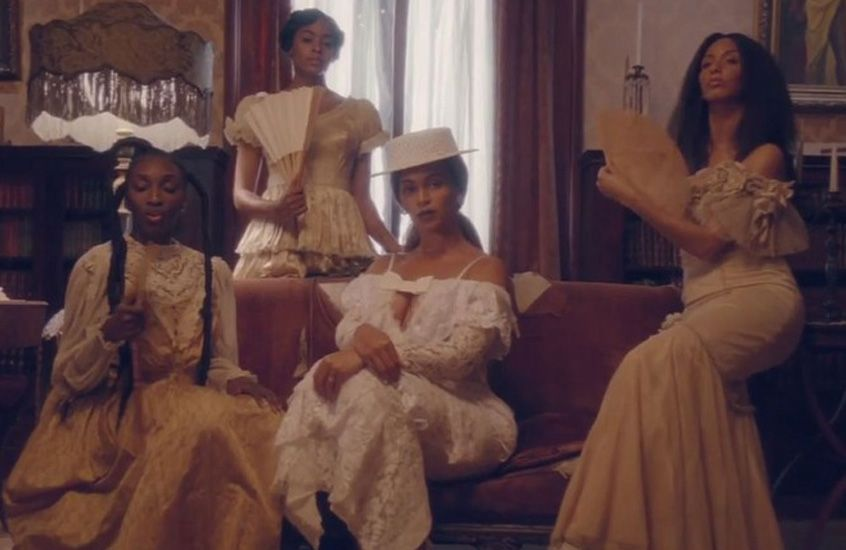 beyonce-wearing-alessandra-rich-formation-music-video