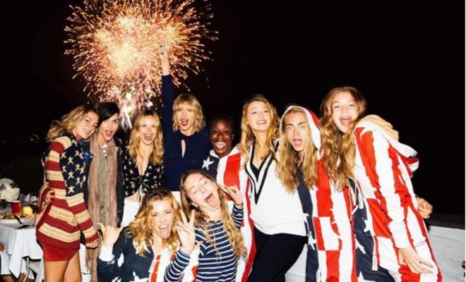 solid-striped-swimwear-brand-taylor-swift-squad-4th-of-july-weekend-bash