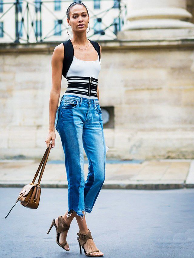 joan-smalls-street-style-patchworked-jeans-frame-nouveau-le-mix