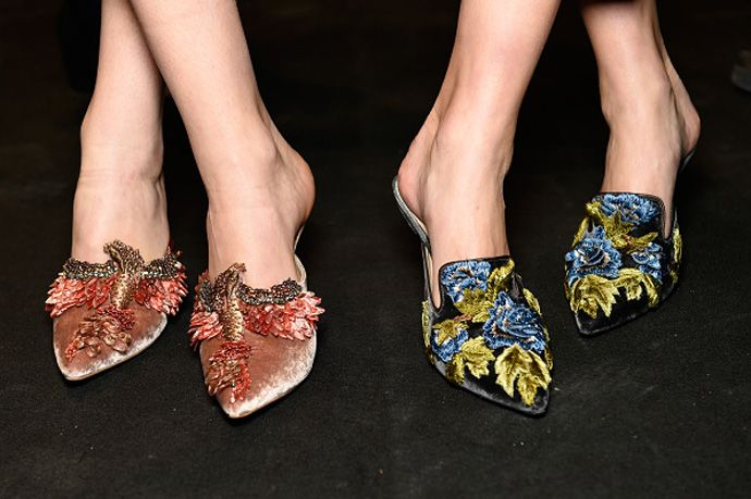 These embroidered velvet mules, we're obssesed with (and so should you)