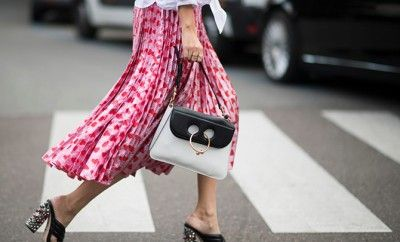 j-w-anderson-pierce-bag-street-style-outfits