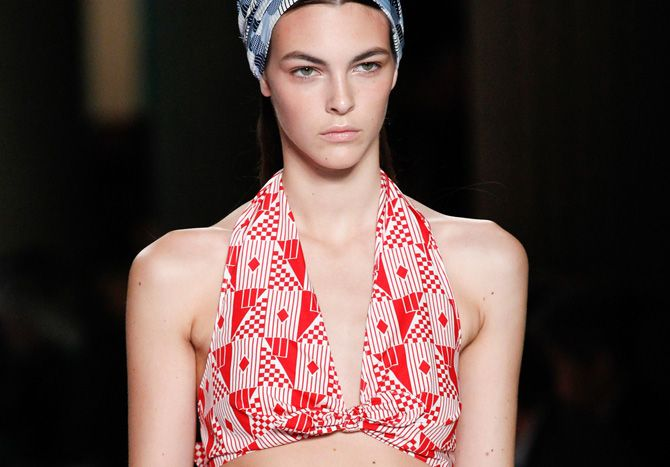 This runway show will put you in some serious retro summer mood
