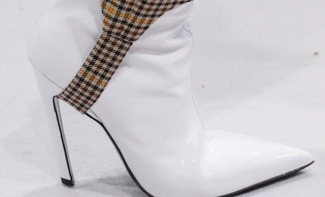 shop-white-leather-ankle-boots-trend-balenciaga