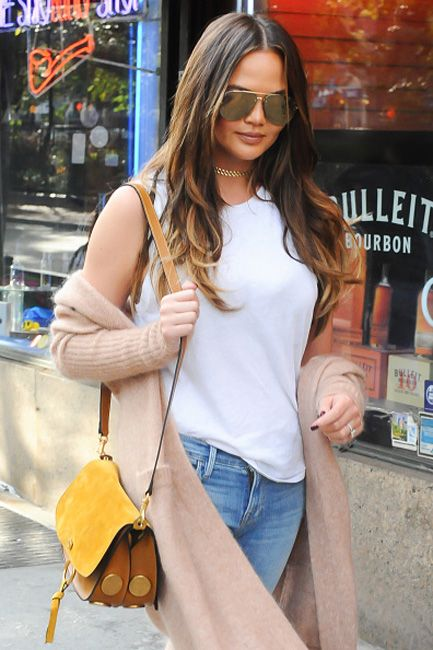 shop-chrissy-teigen-victoria-beckham-aviator-style-metal-mirrored-sunglasses