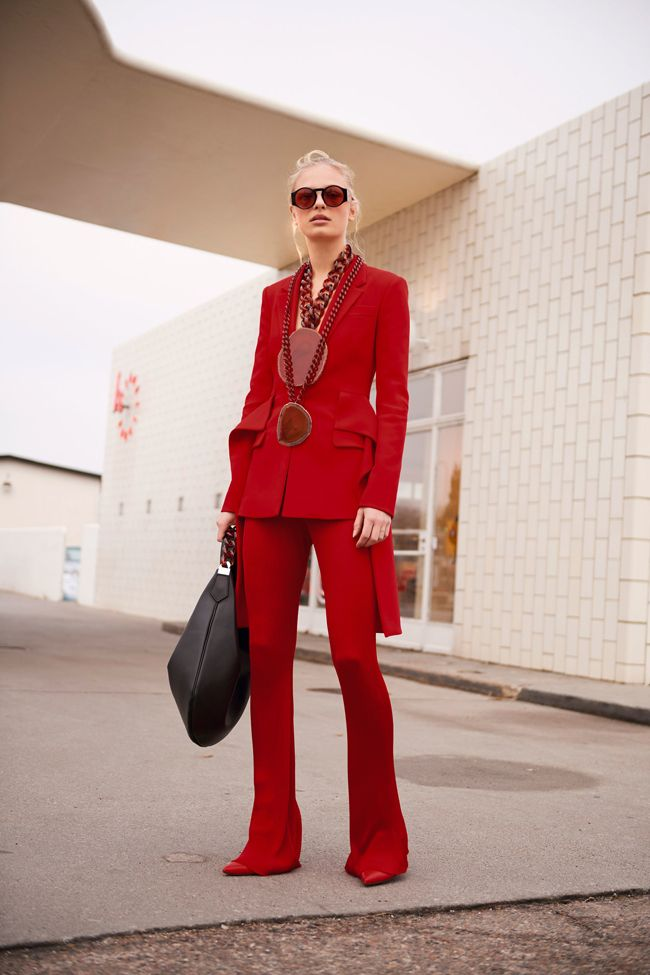 givenchy-prefall-2017-red-suit
