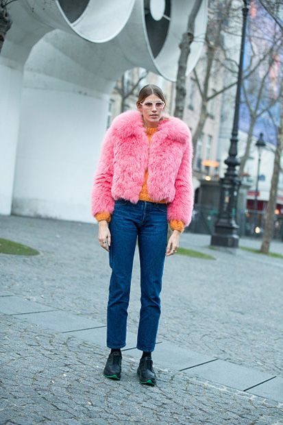 veronika-heilbrunner-pink-cropped-fur-jacket-paris-haute-couture-week-spring-2017-street-style