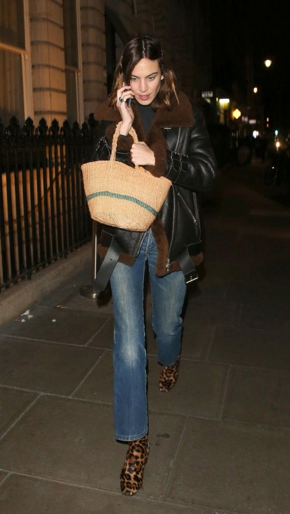lucy-williams-straw-basket-style-bag-london-street-style-fashion-week-fall-2017
