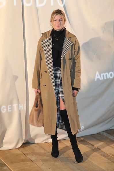 camille-charriere-isa-arfen-trench-coat-plaid-check-lapels-hm-studio-spring-2017-show-paris-photocall