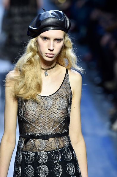 dior-fall-2017-collection-leather-beret-trend